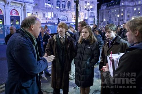 大卫-叶茨在伦敦街头讲戏