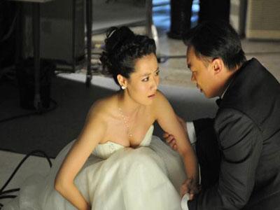 陈奕迅和白冰在片场对戏