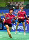 图文:羽球女团泰国战胜日本 桑松卡姆网前回球