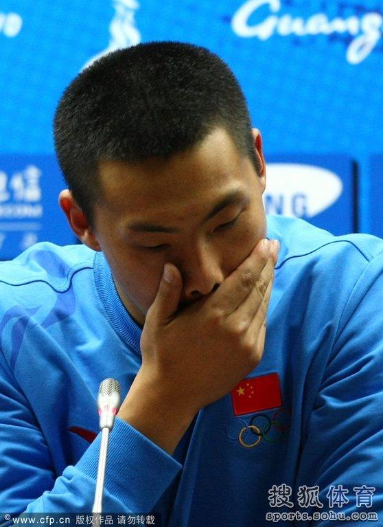 王大雷微博_门将王大雷因首战0-3不敌日本队后\