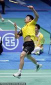 图文:羽毛球男子团体半决赛 林丹专注比赛