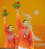 图文:中国选手范文博陈世瑶夺冠