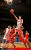 图文:[NBA]火箭战尼克斯 加里纳利一人敌两将