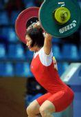 图文:女子举重58公斤级进行 钟春美总成绩第三