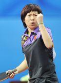 图文:乒球中国女团晋级决赛 李晓霞握拳庆祝