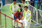 图文:女子记分赛撞车事故 香港选手伤势较轻