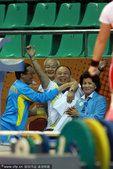 图文:女子举重63公斤级 哈萨克斯坦教练