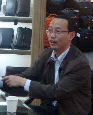 海宁市副市长施震东