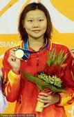 图文:女子100米仰泳颁奖仪式:赵菁夺冠