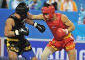 图文:男子散手70公斤级决赛 张勇夺冠