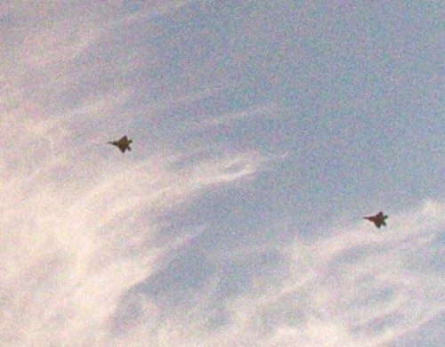 两架F-22战机飞行(资料图)