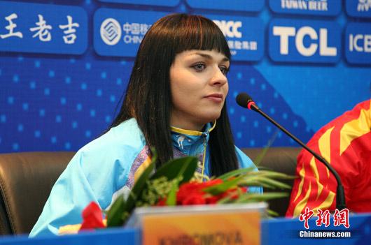 哈萨克斯坦美女大力士俄罗斯制造