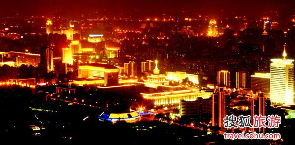 电视塔上俯瞰北京夜景