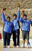 图文:男子多向飞碟团体颁奖仪式 冠军科威特队