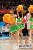 图文:中国男篮迎战乌兹别克 活力十足