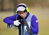 图文:多向飞碟女团中国队夺冠 刘英姿在比赛中