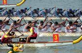 图文:龙舟男子250米竞速印尼夺冠 竞争很激烈