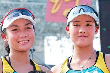 沙排姐妹花江卓仪(左)和谢颖红