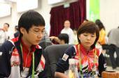 图文:亚运围棋混双开赛 朴廷桓与李瑟娥在首轮