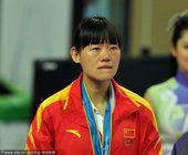 图文:跆拳道女子73公斤以下级 罗微夺冠落泪