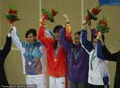 图文:跆拳道女子73公斤以下级 冠亚季军合影