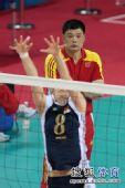 图文:亚运女排比赛中国VS韩国 俞觉敏有些紧张
