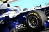 图文:F1车队测试倍耐力轮胎 巴里切罗进行测试