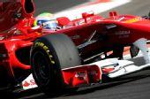 图文:F1车队测试倍耐力轮胎 马萨进行测试