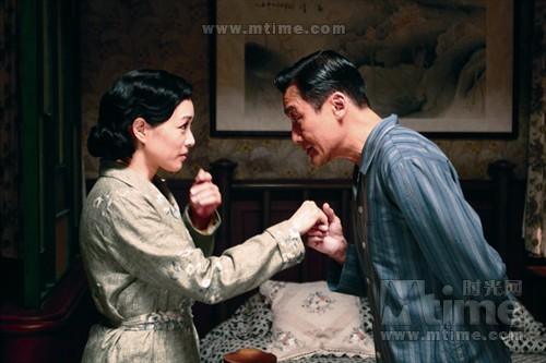 梁家辉和钟丽缇两位资深演员出演李小龙父母,为新人李治廷保驾护航