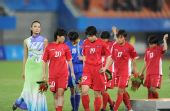 图文:女足颁奖仪式 朝鲜队在颁奖仪式后离场