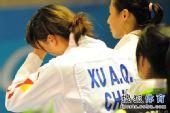 图文:女子重剑决赛中国负于日本 赛后黯然神伤