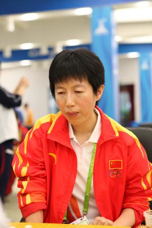 图文:男团中韩焦点战意外收场 女队芮乃伟首战