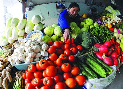 """曾经""""廉价""""的西红柿如今也快让人吃不起了。 新华社发"""