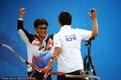 图文:男子射箭决赛 韩国18岁小将金优镇夺冠