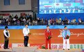 图文:摔跤男子自由式66KG颁奖 获奖选手在一起