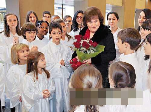 表演完毕后,苏珊大妈获一班