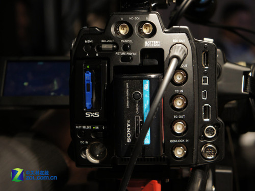 索尼专业摄像机PMW-F3