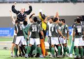 图文:男子曲棍球巴基斯坦夺冠 激动庆祝的特写