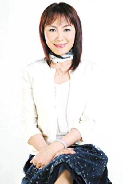 张晓东女士,中国民盟盟员,北京市市民讲外语组委会顾问,北京市企业家协会会员,北京大学管理学研究生,环球雅思学校董事长、北京环球天下教育科技有限公司董事长。