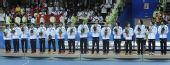 图文:女子手球颁奖仪式举行 亚军得主日本队