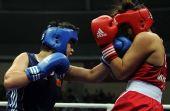 图文:拳击女子69-75KG李金子夺冠 凶猛进攻