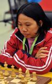 图文:国际象棋男子团体颁奖 范丽滔源在比赛中
