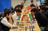 图文:国际象棋男子团体颁奖 在男子团体赛中