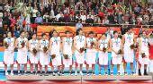 图文:亚运男篮颁奖仪式 韩国队球员颁奖仪式上
