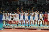 图文:亚运男排排球决赛 伊朗队球员颁奖仪式上