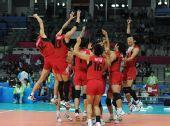 图文:亚运男排排球决赛 日本队球员庆祝胜利