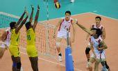 图文:亚运男排赛中国第五 沈琼在比赛中扣球