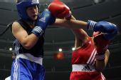 图文:女子拳击69-75公斤级赛 选手李金子夺冠