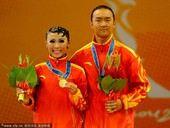 图文:体育舞蹈桑巴舞 中国选手王为陈金夺冠