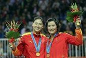 图文:女子沙滩排球决赛 薛晨/张希组合夺冠